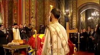 Sute de oameni au participat la inhumarea Regelui Carol al II-lea, printre care Paul Lambrino si Nicolae