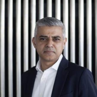 Sute de primari americani se declara de partea edilului Londrei in scandalul cu Trump