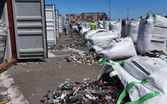 Sute de tone de gunoaie aduse din Germania, descoperite in portul Agigea. Este al doilea caz de acest gen din ultimele zile