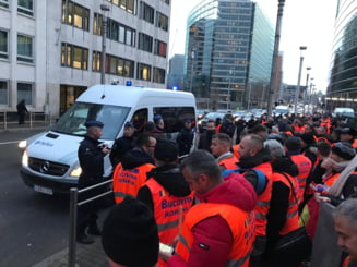Sute de transportatori romani protesteaza la Bruxelles: Din cauza ca se teme de noi, Vestul Europei vrea sa ne falimenteze (Foto&Video)