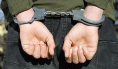 Tânăr de 19 ani reținut pentru tentativă de omor. A înjunghiat în gât un bărbat cu care a consumat alcool