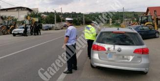 TARGOVISTE: Un barbat a condus cu permisul suspendat, iar un alt barbat cu permis pentru alta categorie de vehicule
