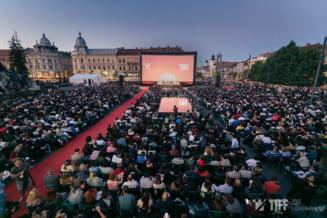 TIFF 2017 a debutat in forta, la Cluj: sute de filme vor fi difuzate, Alain Delon va primi un trofeu special