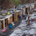 Tabara de rromi evacuata in apropiere de Paris: Cazuri de tuberculoza si risc de incendiu