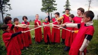 Tabara in care copiii invata sa devina cavaleri si domnite