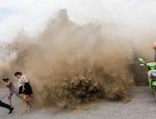 Taifun in China: sute de mii de persoane, afectate