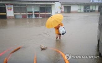 Taifunul Chanthu loveşte insula sud-coreeană Jeju şi se îndreaptă spre Japonia cu 20 de kilometri pe oră VIDEO