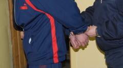 Talhar din Caracal, arestat in urma unor perchezitii ale politistilor din Craiova