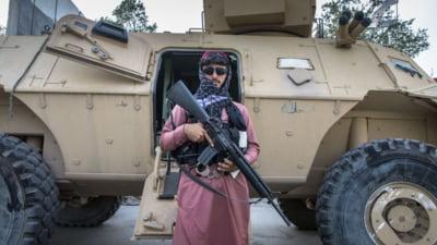 Talibanii anunţă că au găsit 6,5 milioane de dolari şi lingouri de aur în casa fostului prim-vicepreşedinte afgan VIDEO