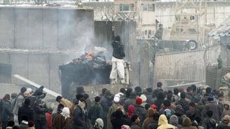 """Talibanii cer afganilor sa """"ucida"""" strainii din bazele militare"""