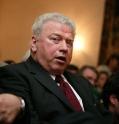 Talpes: Pacepa inca se afla in razboi cu Romania