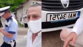 Tanar acuzat de incitare la ura si revolta impotriva politistilor dupa o postare live pe Facebook