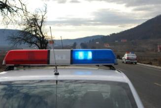 Tanar de 24 de ani, suspectat de furtul unei masini, retinut de politisti. Masina, gasita in curtea unui potential cumparator