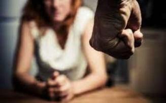 Tanara din Chintelnic, agresata de concubin! Ordin de protectie provizoriu emis de politisti