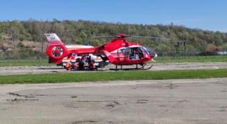 Tanarul ranit in accidentul produs intre Brebeni si Slatina, transferat cu elicopterul SMURD la un spital din Capitala