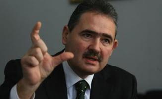 Tanasescu: Guvernul trebuie sa reduca salariile si pensiile in sase saptamani