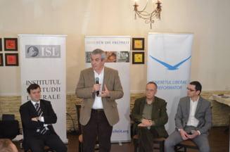 Tariceanu il lauda pe Iliescu: Nu putem sa nu-i recunoastem calitatile