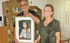 Tatal si fratele Madalinei Manole sustin ca, dupa moartea Eugeniei, casa a inceput sa trosneasca