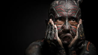 Tatuajele i-au transformat in niste ciudatenii: Oamenii cei mai colorati de pe Pamant (Galerie Foto)