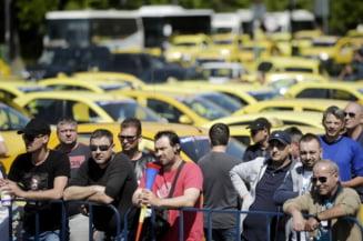 Taximetristii, in razboi cu aplicatiile de smartphone. De ce au pierdut partida?