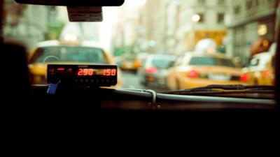 Taximetristii anunta proteste la Primaria Capitalei. Firmele de ride-sharing favorizate, motivul nemultumirilor