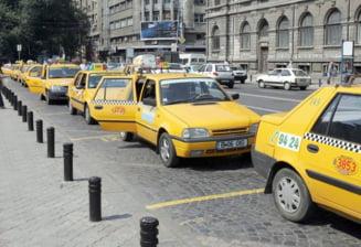 """Taximetristii fac miting la Bucuresti, indignati de """"mafia autorizatiilor"""""""