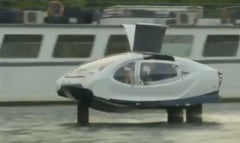 Taxiurile zburatoare SeaBubbles sunt testate la Paris (Video)