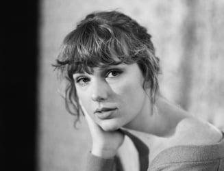 Taylor Swift, speriata de moarte dupa ce un barbat a incercat sa intre cu forta in apartamentul ei