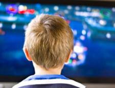 Te uiti mult la televizor? Risti sa ajungi un infractor