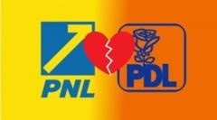 """Teapa de proportii, marca PNL Prahova. Doi primari liberalii si-au """"furat-o"""" de la colegii de partid, fosti PDL-isti"""