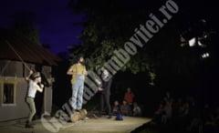 Teatrul revine in curtea lui Marin al Popii din Raciu. Intrarea este gratuita