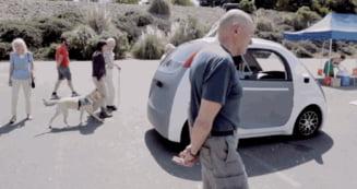 Tehnologia Google, pe sosele: Masina care se conduce singura nu are volan sau frane (Video)