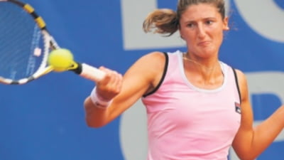 """Tenismena Irina Begu s-a oprit in semifinale la Roma. Romanca a fost """"invitata"""" in turneul de dublu"""