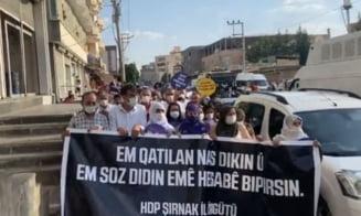 Tensiuni între putere și opoziția de la Ankara după uciderea cu posibile motivaţii rasiste a unei familii kurde VIDEO