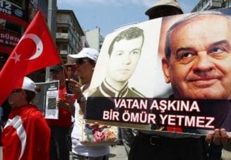 Tensiuni in Turcia: Armata cere rejudecarea ofiterilor condamnati pentru complot