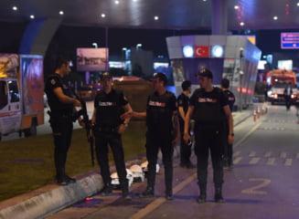 Tentativa de lovitura de stat in Turcia: Aproape 8.000 de politisti au fost dati afara