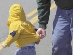 Tentativa de rapire a unui copil din curtea unei scoli din Burdujeni. Autorul, lasat de politisti sa plece acasa