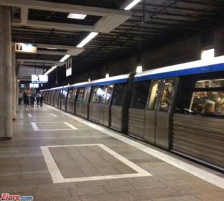 Tentativa de sinucidere la Piata Unirii: Un tanar a fost prins sub metrou UPDATE