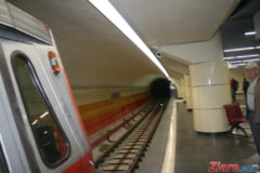 Tentativa de sinucidere la metrou - traficul subteran, blocat in Capitala la ora de varf