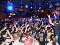 Tentativa de viol si strangulare intr-un club din Iasi. Tanara a ajuns la urgente