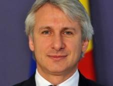 Teodorovici: Impozitarea bacsisului a fost o experienta, nu un esec - PNL ii cere demisia