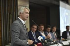 Teodorovici nu renunta la impozitarea pensiilor speciale, dar mai asteapta nitel sa vada daca face lege sau OUG