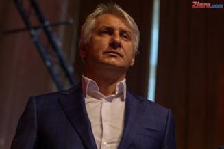 Teodorovici spune ca majorarea salariilor cu 100 de lei s-ar putea regasi in reducerea contributiilor: Castiga si angajatul, si angajatorul