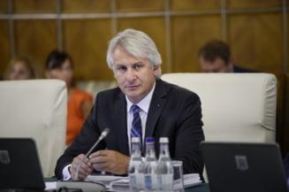 Teodorovici vrea ca dreptul romanilor de a lucra intr-o tara din UE sa fie limitat la o anumita perioada