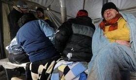 """Teoria """"betivilor adormiti"""" se aplica in Ucraina: 151 de morti din cauza frigului"""