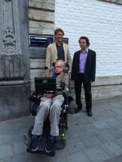Teoria lui Stephen Hawking despre gaurile negre, confirmata de un alt om de stiinta