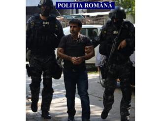 Teroristul Mohammad Munaf, implicat in rapirea jurnalistilor in Irak, adus in Romania