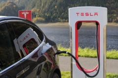 Tesla recheama aproape 50.000 de automobile Model S si Model X de pe piata din China. Masinile ar avea defectiuni la suspensii