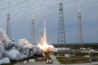 Testul SpaceX a fost un succes: A simulat ejectarea de urgenta a unor astronauti dintr-o racheta (Video)