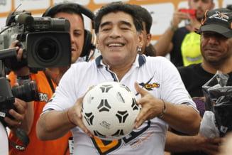 """Textul emotionant scris de jurnalistii argentinieni la moartea lui Maradona: """"O saritura in gol fara parasuta. Un carusel cu urcusuri si coborasuri abrupte"""""""